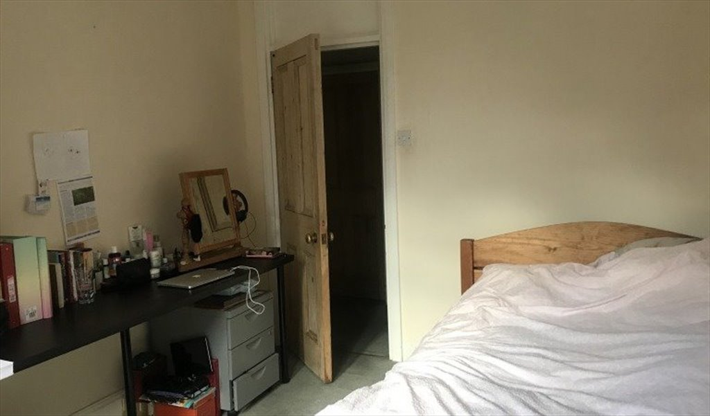 Room To Rent In Avonmore Road Hammersmith 2 Bedroom Property For Rent In West