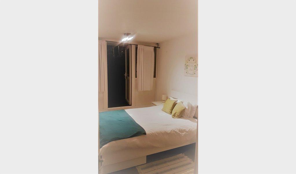 Room To Rent In Hawke Road London 1 Week Rent Free Ensuite Room