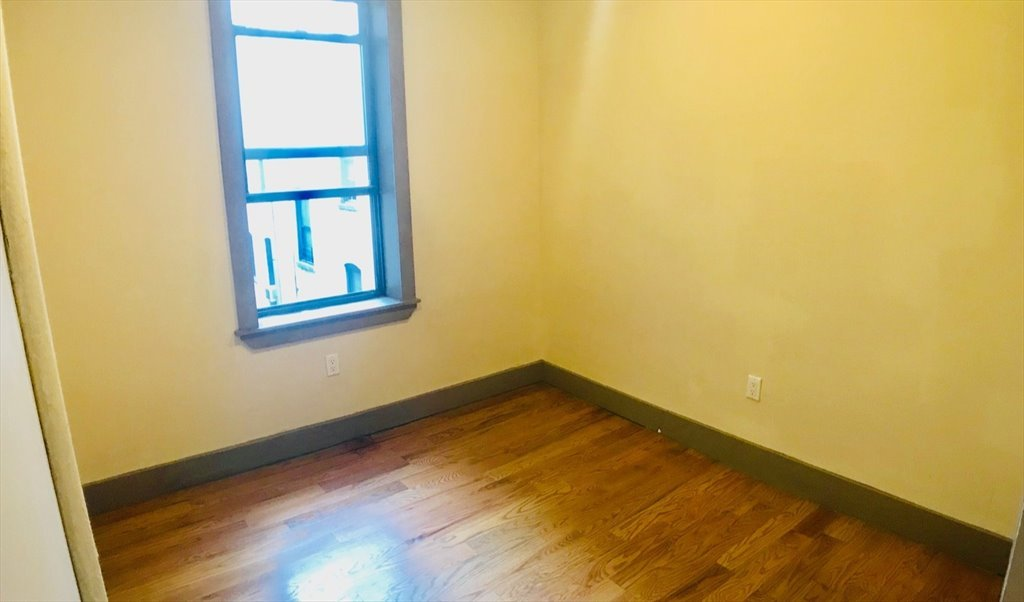 Room For In Saint Marks Avenue Brooklyn Gorgeous High Ceilings