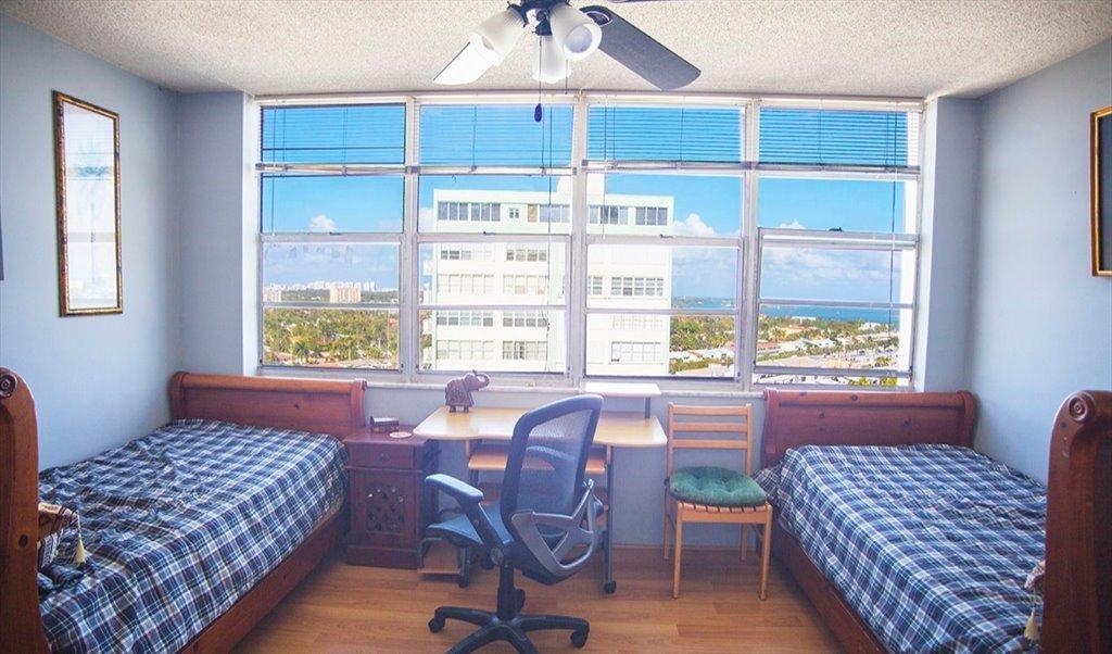 Sensational Room For Rent In Sans Souci Boulevard North Miami Spacious Close To Universities Beach Downtown 1000 Beutiful Home Inspiration Semekurdistantinfo