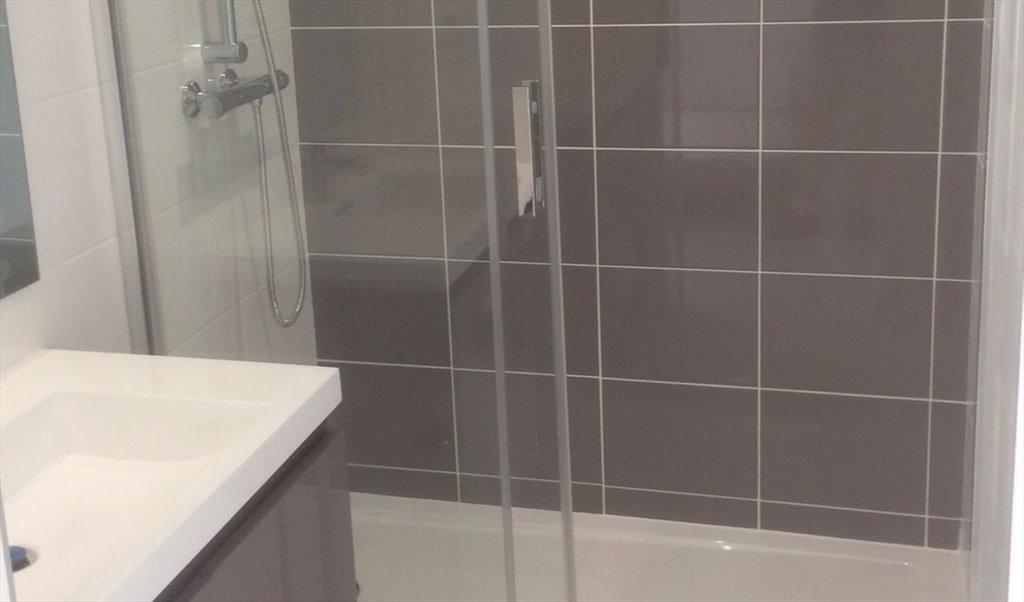 Colocation à Place de la Roseraie, Toulouse - Chambre avec salle d\'eau  privative dans maison | Appartager - €520