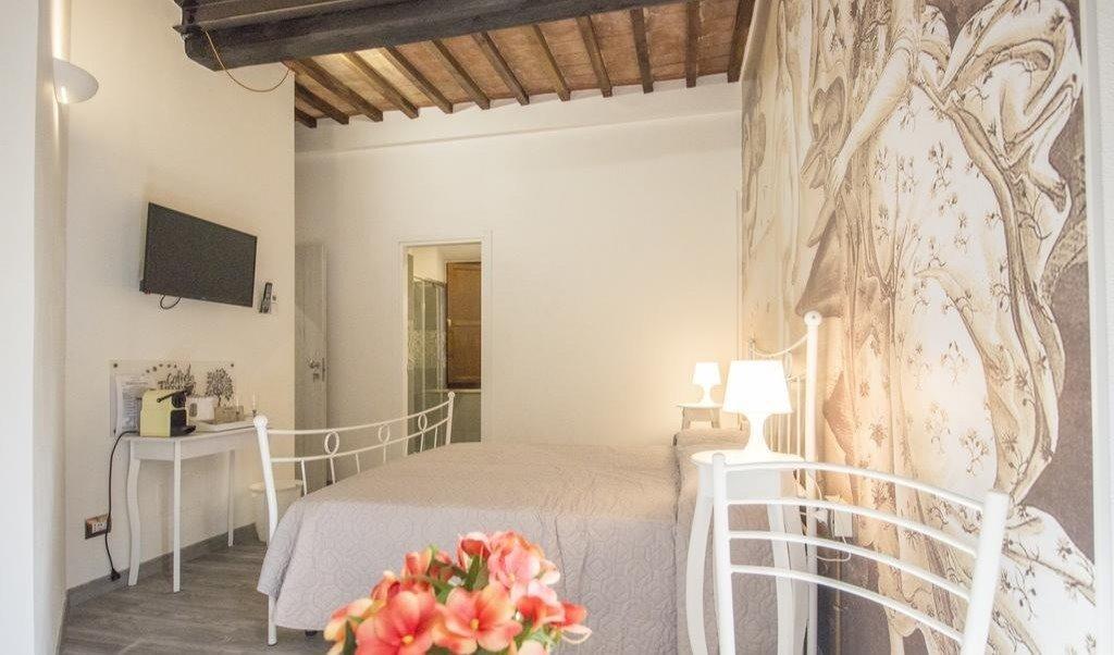 Camera Matrimoniale A Grosseto.Stanze E Posti Letto In Affitto Via De Calboli Grosseto Camera Matrimoniale Botticelli Roomgo 600