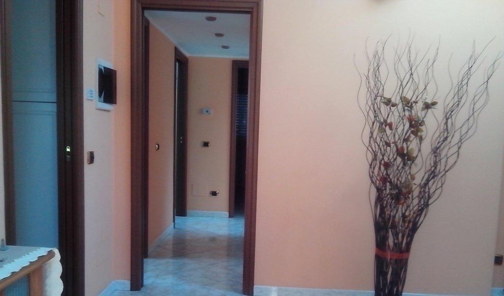 Capolinea Novate Milanese.Stanze E Posti Letto In Affitto Via Xxv Aprile Novate Milanese Stanza Singola Spaziosa Roomgo 400