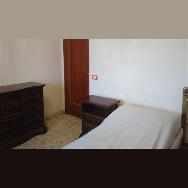 Stanze e posti letto in affitto via tiburtina citt for Stanze uso ufficio in affitto roma