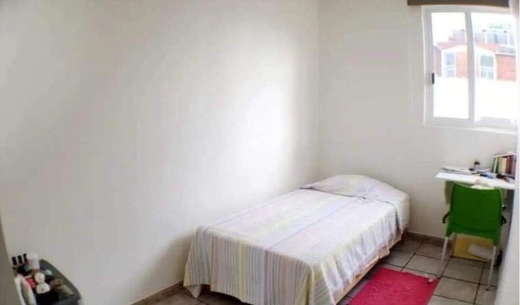 Cuarto con baño diponible, residencia para mujeres ...