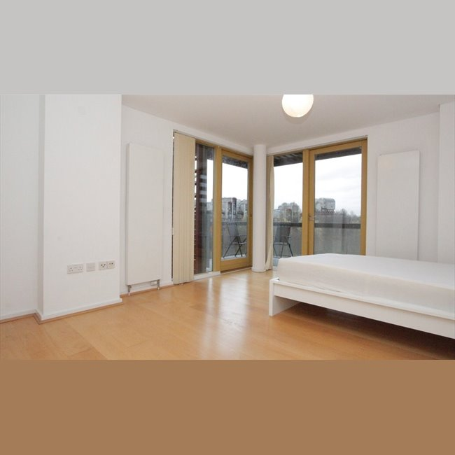 Room To Rent In Donegal Street, London