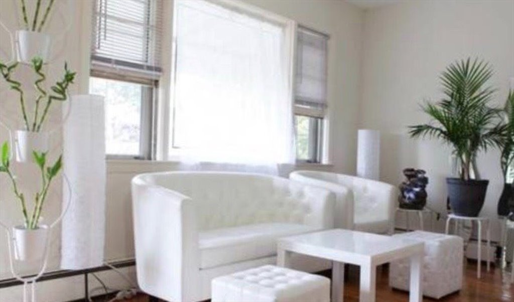 Room for rent in Abingdon Road Queens 675 SHARED 1200 PRIVATE
