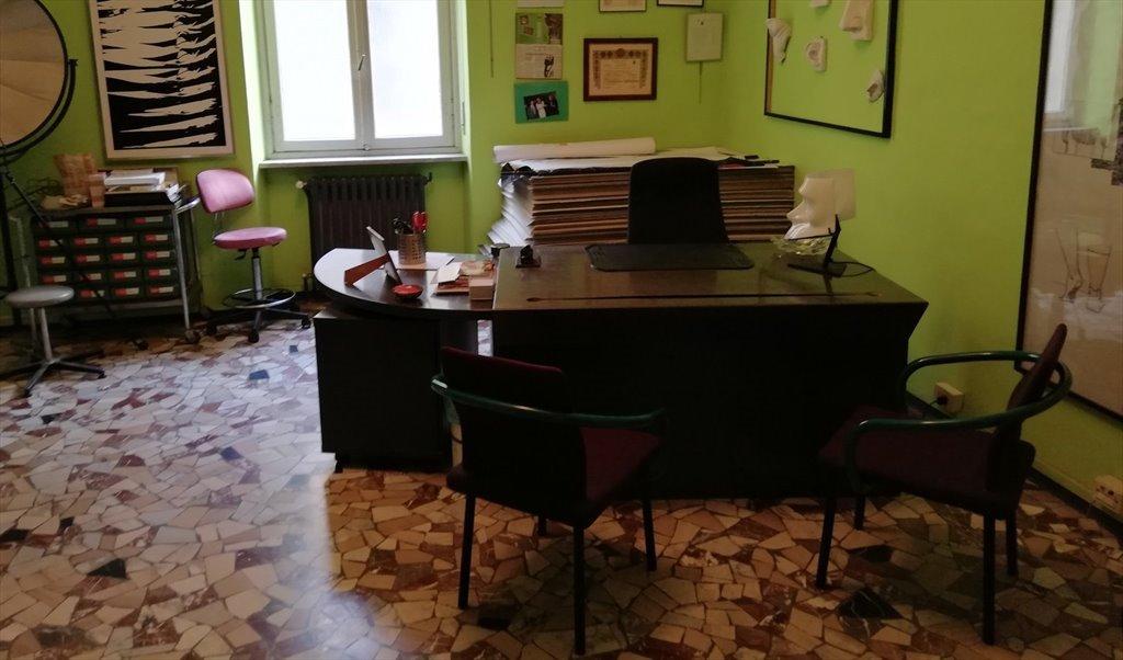Ufficio In Condivisione Torino : Stanze e posti letto in affitto via san quintino torino