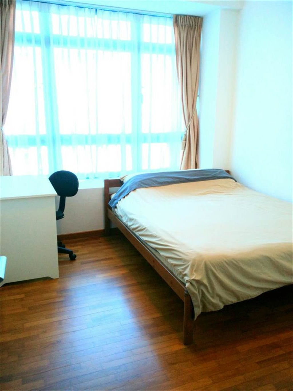 Room for rent in Kitchener Link, Kallang - Modern & bright common ...