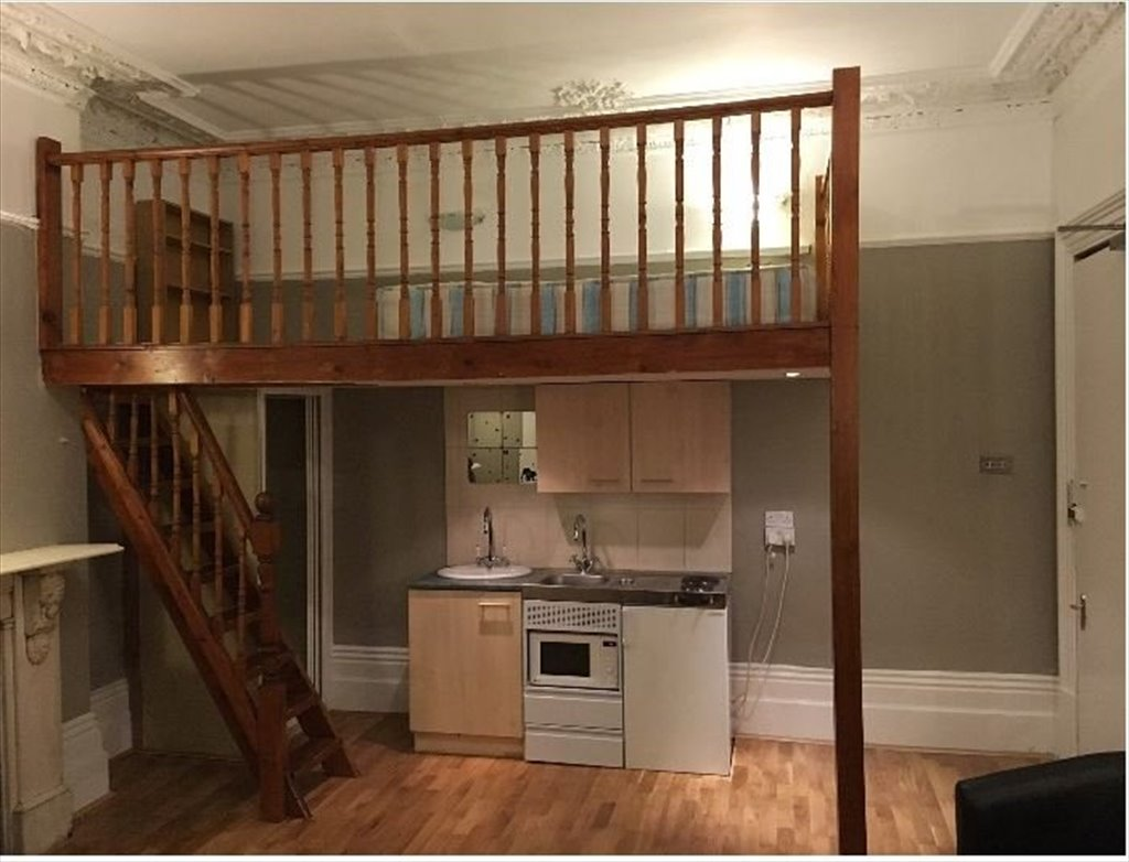 Room to rent in Holland Road, Kensington - Bright, spacious double ...