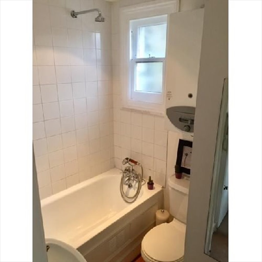 Room to rent in North End Parade, Hammersmith - Self-Contained ...