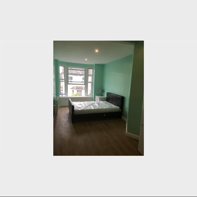 Room To Rent In Cambridge Street, Sheffield City Centre